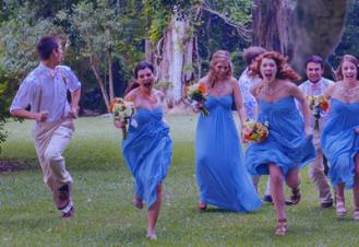 Dinosaur-Photobombing-Wedding-Photography-InspirationsWeb.com-02