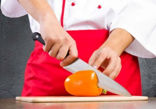 proper-way-to-slice-a-with-a-chefs-knife