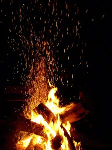 bonfire-column_of_sparks_by_the_emerald_otter